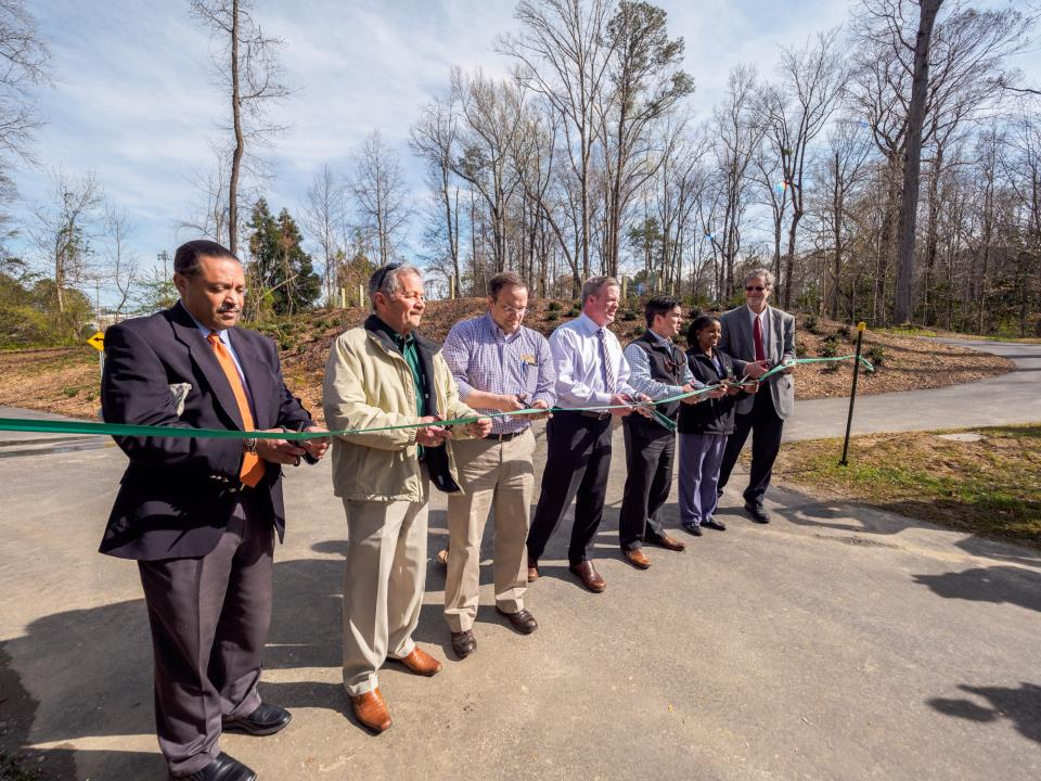 City Cuts Ribbon for New Phase of Greenway