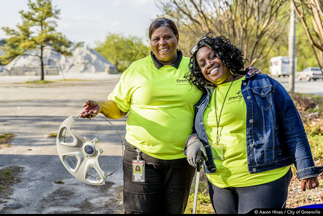 City, Community Come Together for Spring Clean-Up Week