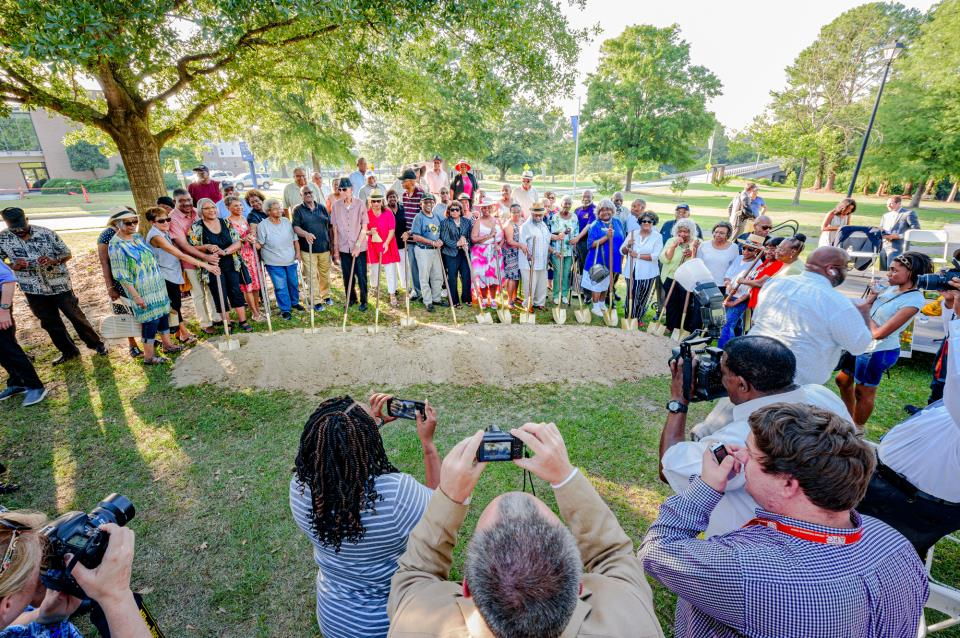 Sycamore Hill Church Members Groundbreaking